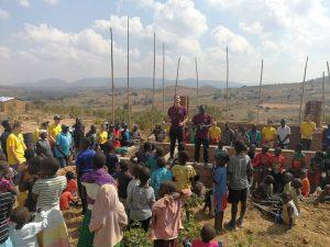 MA419 | Afrikaanse swing tijdens de opening!